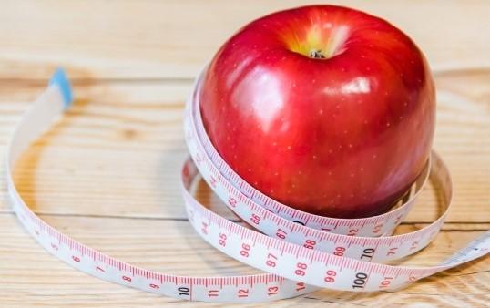 りんごと巻き尺