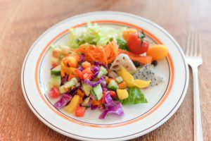カラフルな野菜 食卓